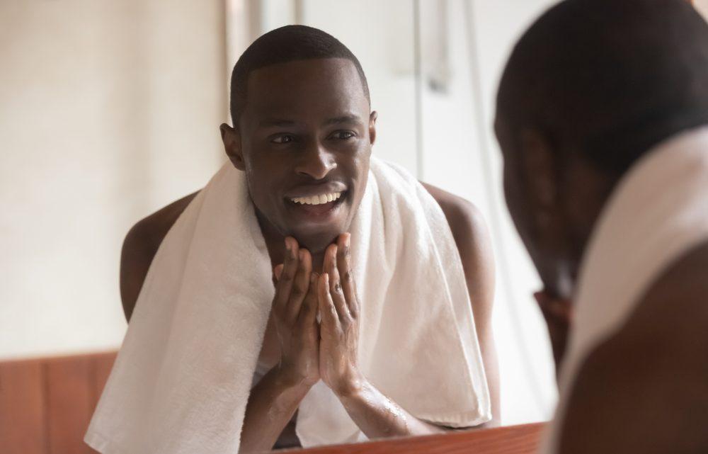 Conseils de rasage pour les peaux acnéiques